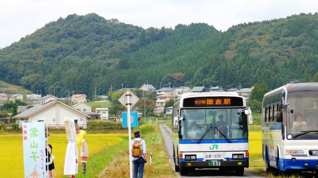 走る路線バス